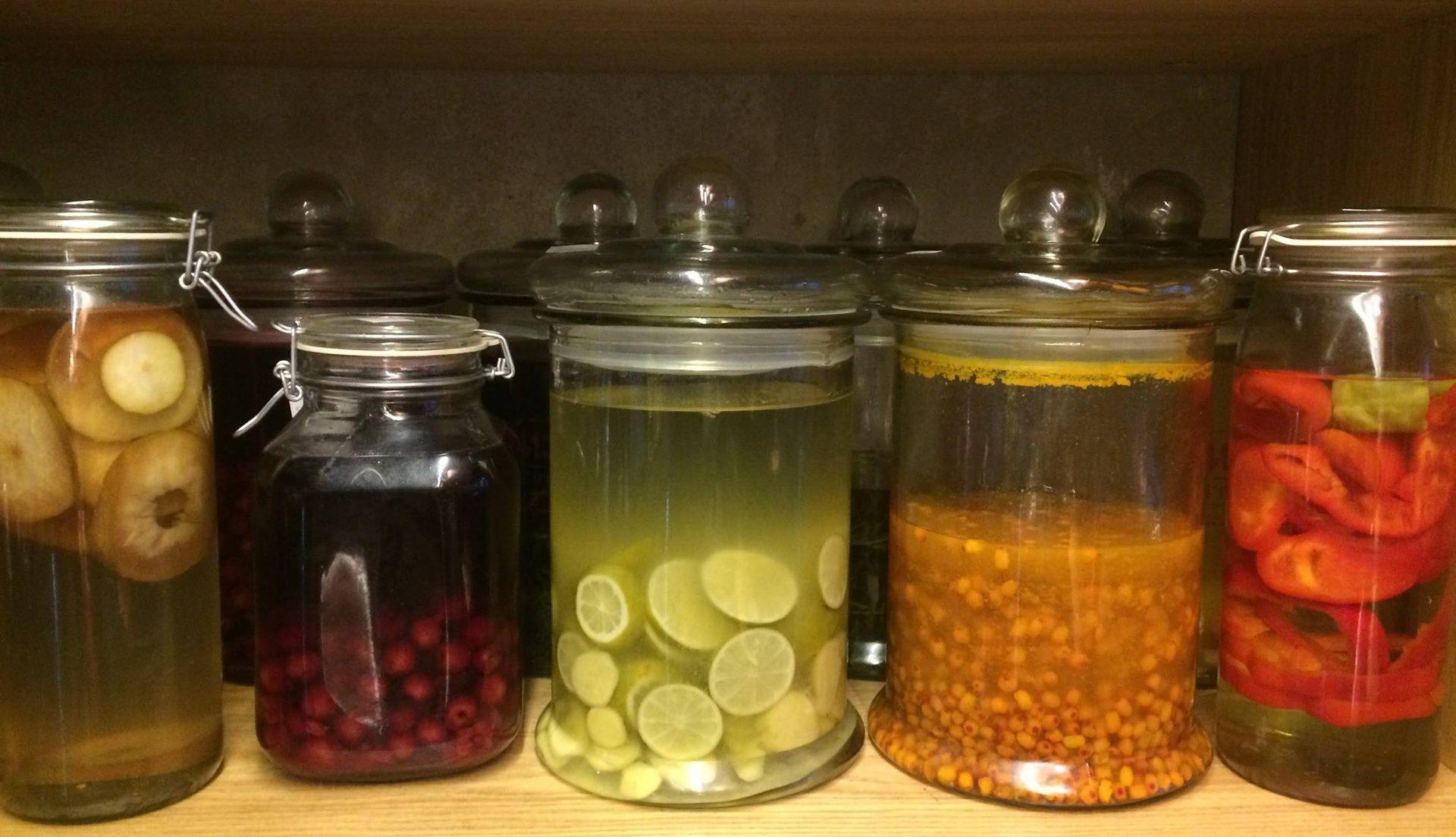 Рецепты настоек на спирту в домашних условиях из ягод